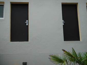 2 portes dans le vide